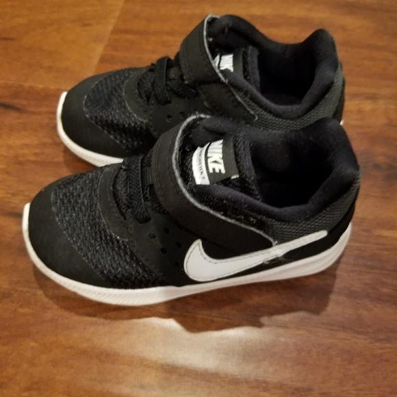 cc0ba31ec9b0 Toddler boys size 7 Nike downshifter 7
